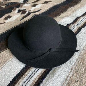 Boutique black wide brimmed wool hat